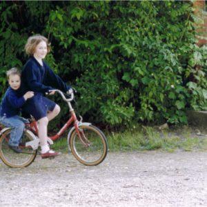 Vélo entre frère et soeur